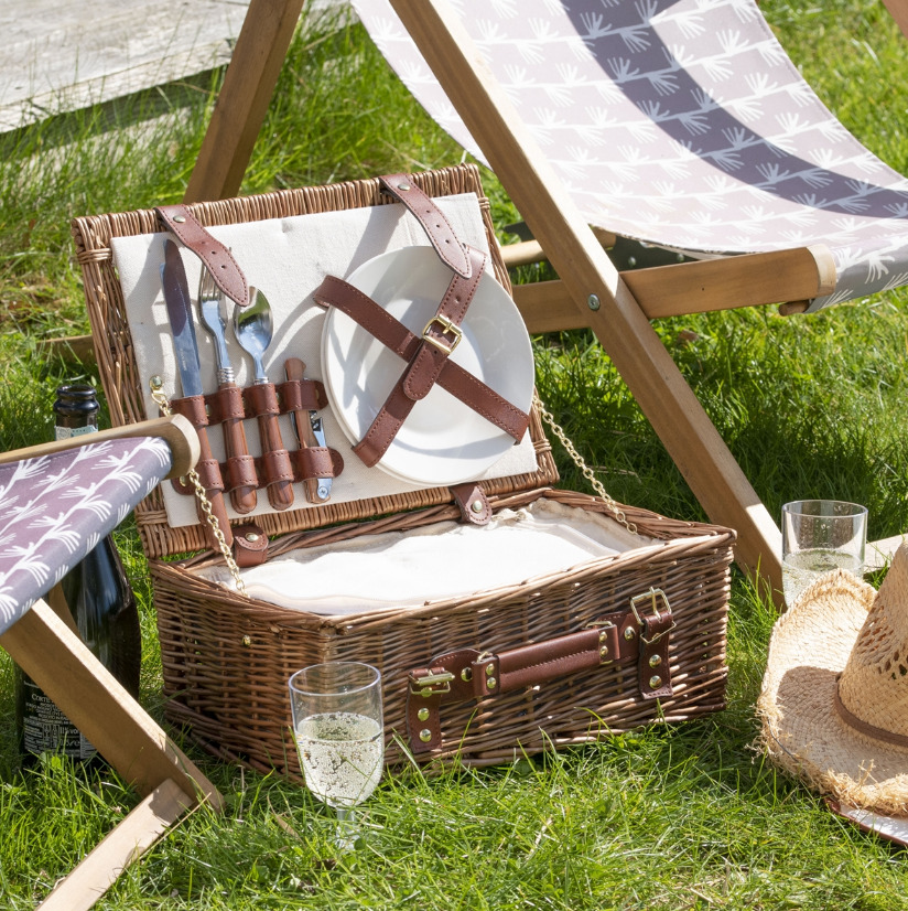 Classic 2-Person Personalise Hamper - GiftSpider.co.uk